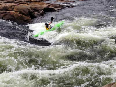 kayaking in james river rapids